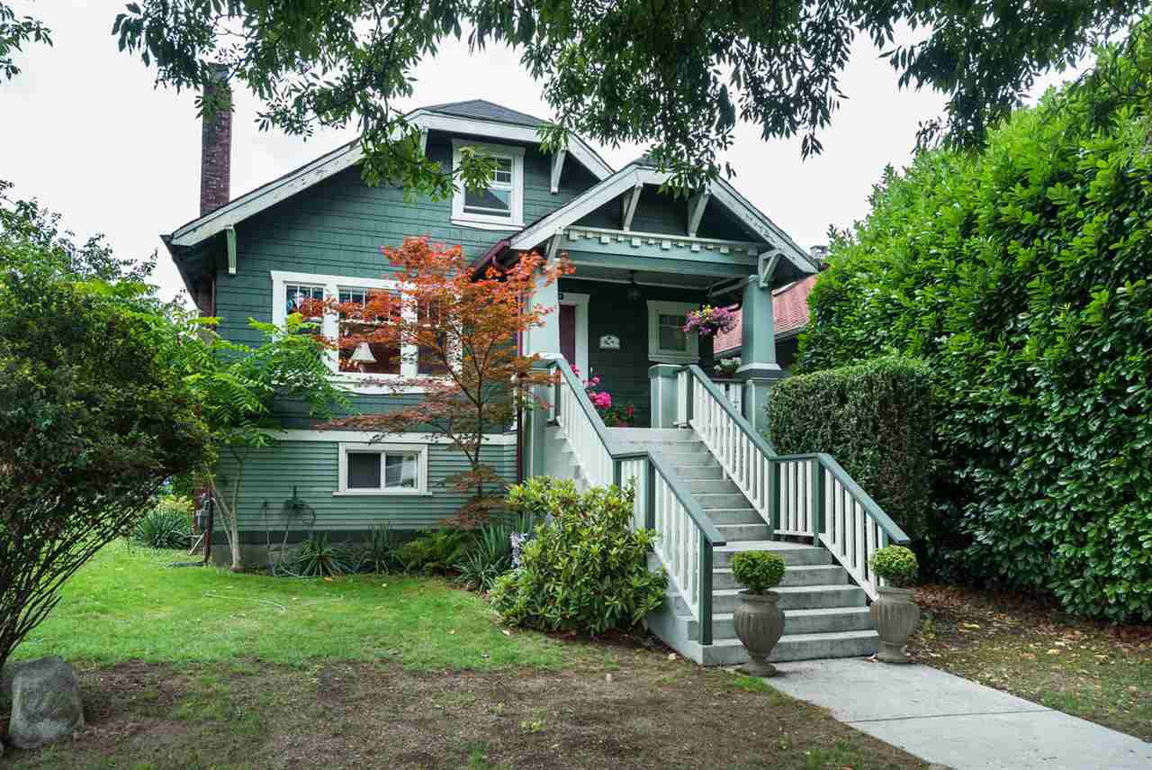 "Main Photo: 2366 GRANT Street in Vancouver: Grandview VE House for sale in ""GRANDVIEW/COMMERCIAL DRIVE"" (Vancouver East)  : MLS®# R2089719"