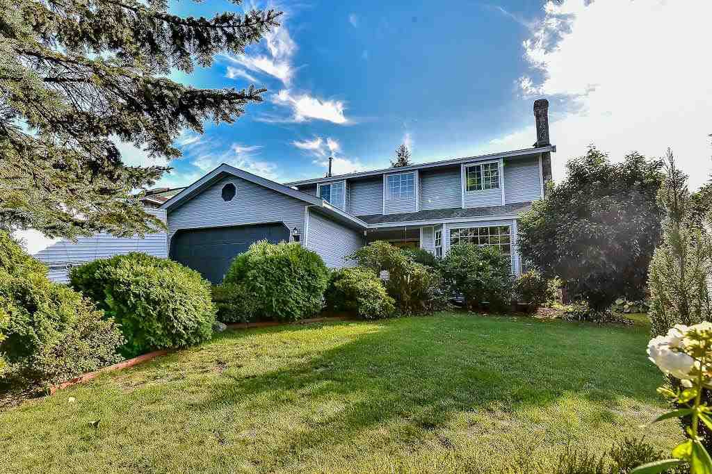 "Main Photo: 15766 93A Avenue in Surrey: Fleetwood Tynehead House for sale in ""BEL-AIR ESTATES"" : MLS®# R2108329"