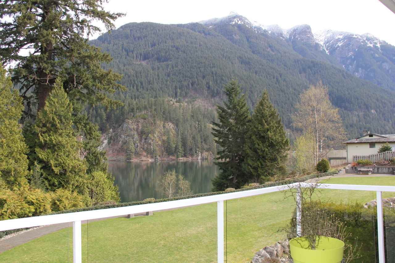 Main Photo: 4 21293 LAKEVIEW Crescent in Hope: Hope Kawkawa Lake House for sale : MLS®# R2148457