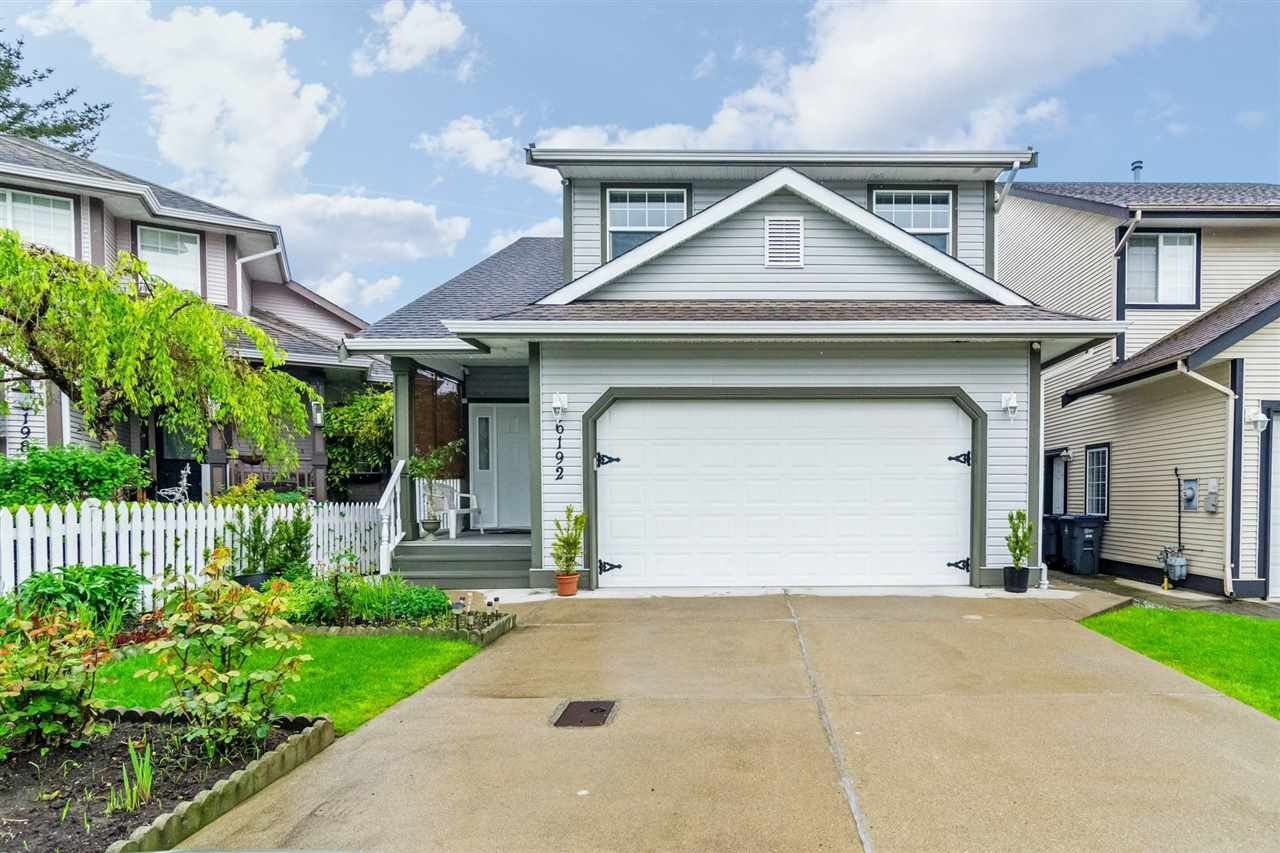 Main Photo: 6192 195 Street in Surrey: Cloverdale BC House for sale (Cloverdale)  : MLS®# R2166862