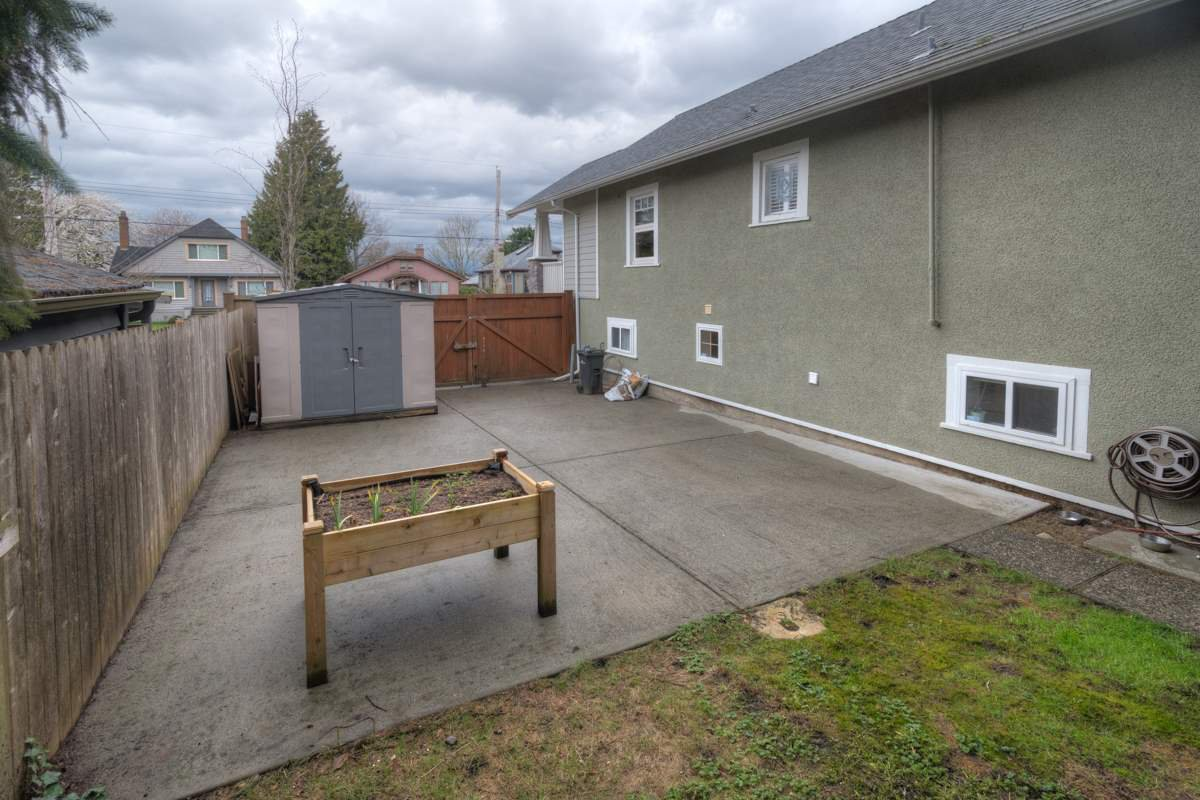 Photo 19: Photos: 216 SIXTH AVENUE in New Westminster: Queens Park House for sale : MLS®# R2157969