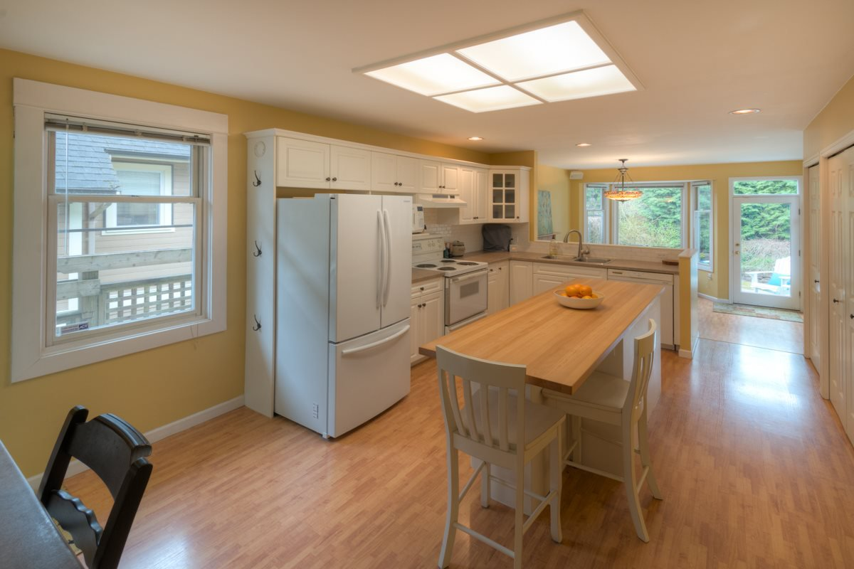 Photo 14: Photos: 216 SIXTH AVENUE in New Westminster: Queens Park House for sale : MLS®# R2157969