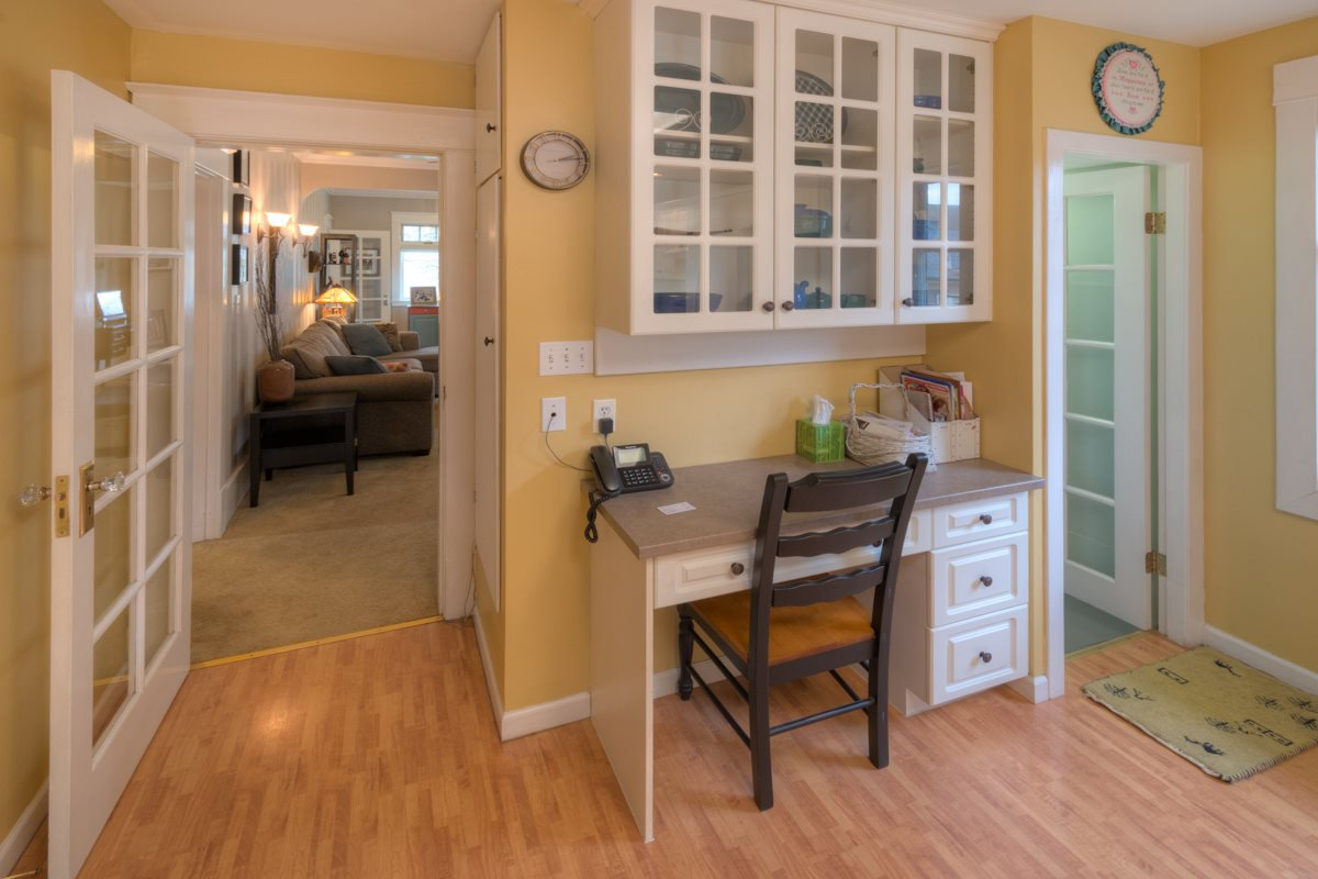Photo 13: Photos: 216 SIXTH AVENUE in New Westminster: Queens Park House for sale : MLS®# R2157969