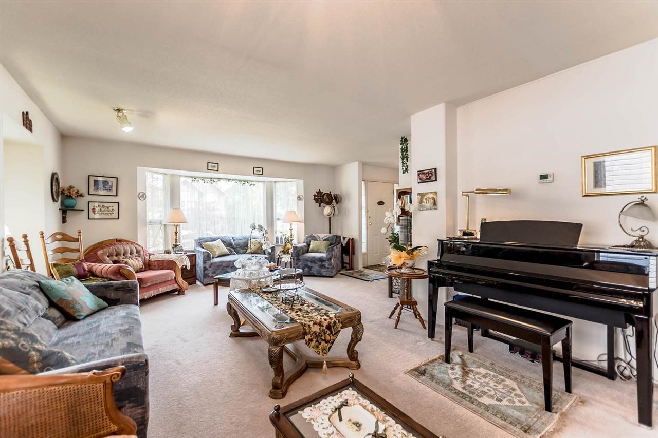 Photo 3: Photos: 722 COLBORNE Street in New Westminster: GlenBrooke North House for sale : MLS®# R2196795