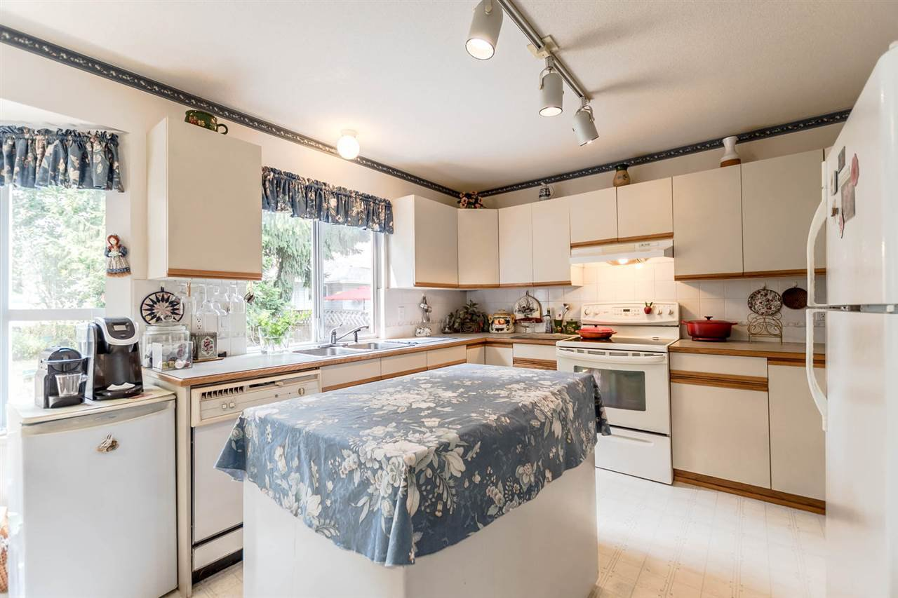 Photo 5: Photos: 722 COLBORNE Street in New Westminster: GlenBrooke North House for sale : MLS®# R2196795