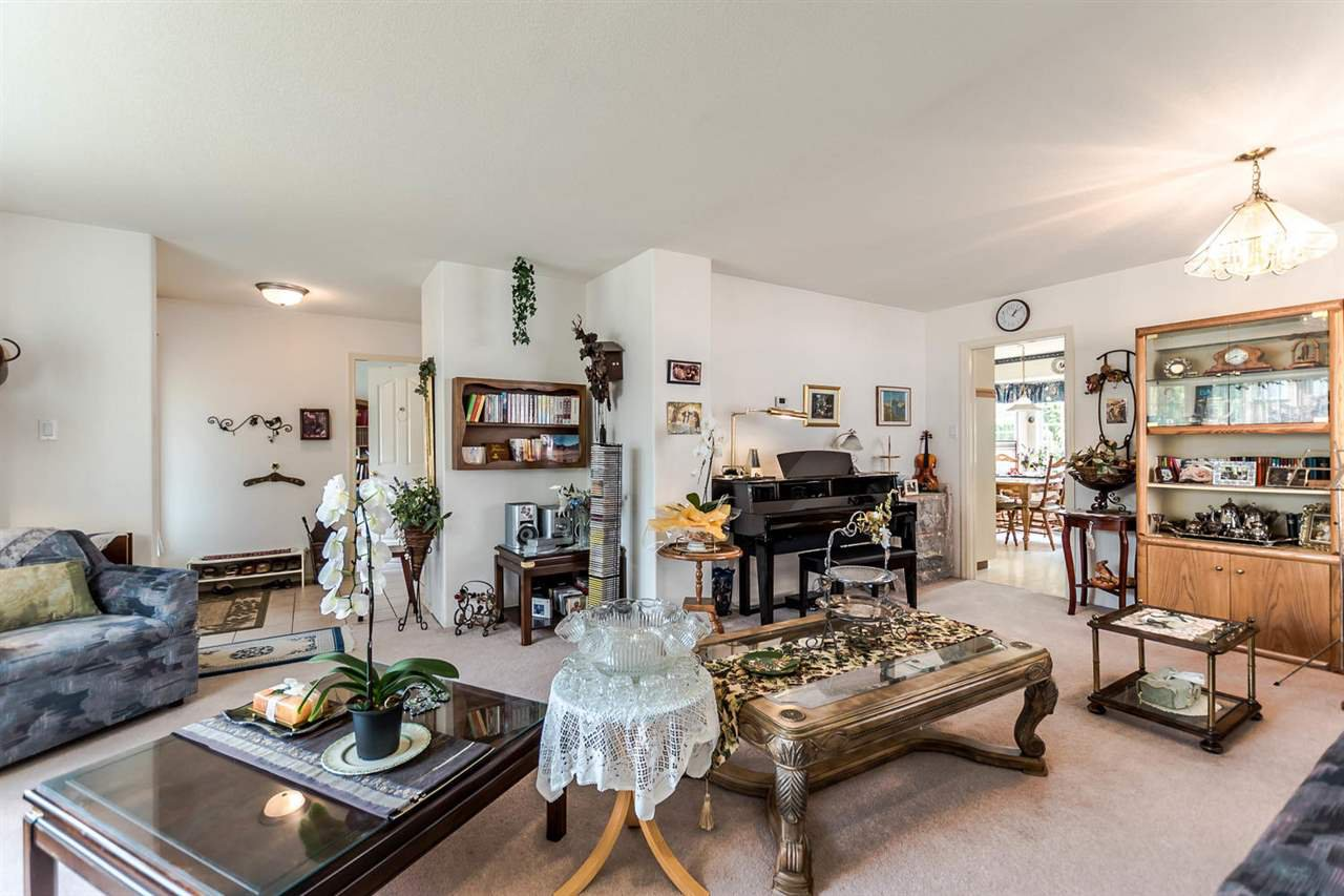 Photo 4: Photos: 722 COLBORNE Street in New Westminster: GlenBrooke North House for sale : MLS®# R2196795