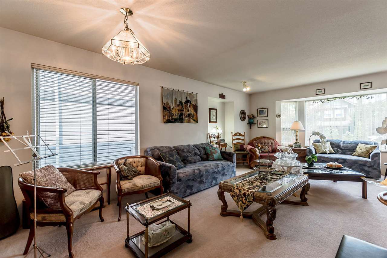 Photo 2: Photos: 722 COLBORNE Street in New Westminster: GlenBrooke North House for sale : MLS®# R2196795
