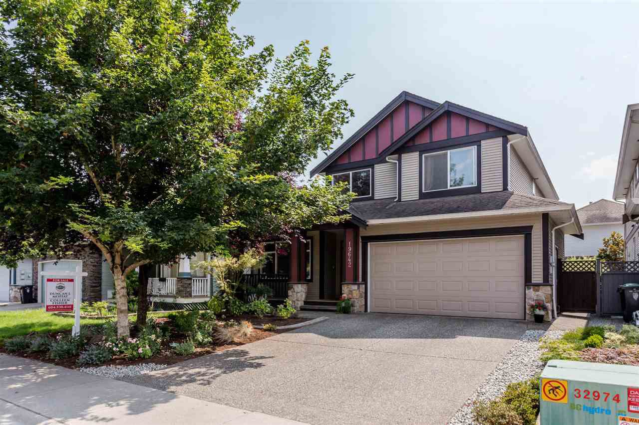 Main Photo: 19642 71 Avenue in Langley: Willoughby Heights House for sale : MLS®# R2196810
