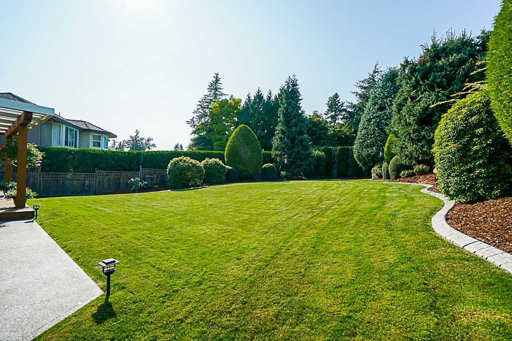 "Photo 15: Photos: 8034 150 Street in Surrey: Bear Creek Green Timbers House for sale in ""Mourningside Estates"" : MLS®# R2293254"