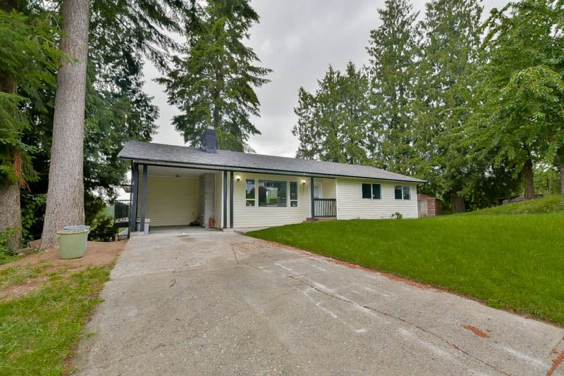 Main Photo: 8011 WILLOW STREET in : Mission BC House for sale : MLS®# R2079524