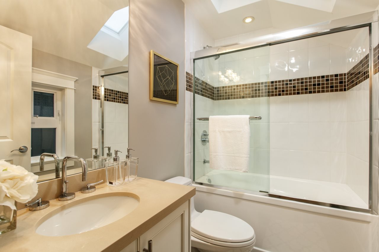"""Photo 16: Photos: 3193 W 43RD Avenue in Vancouver: Kerrisdale House for sale in """"KERRISDALE"""" (Vancouver West)  : MLS®# R2323561"""