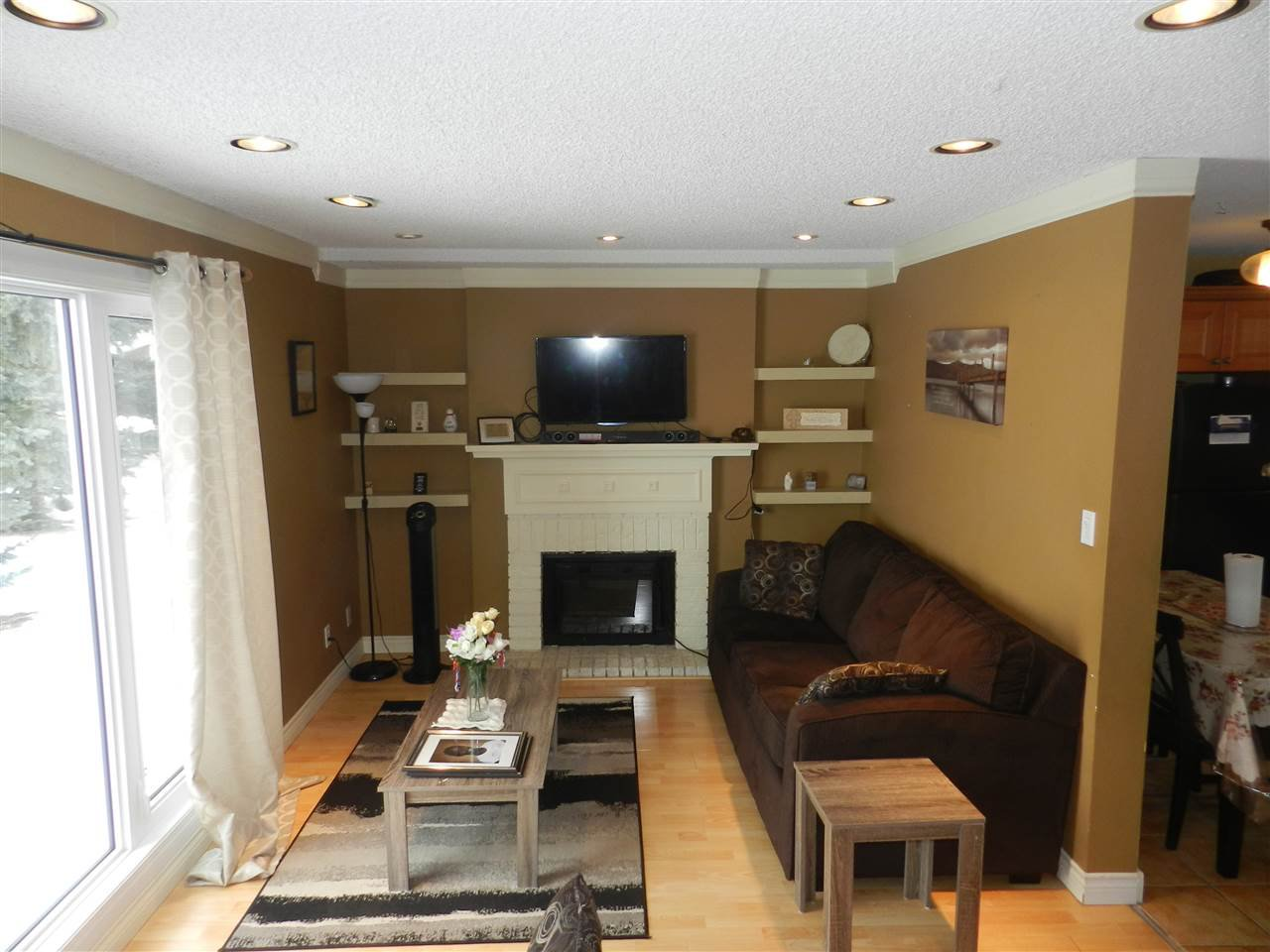Main Photo: 1106 LAKEWOOD Road N in Edmonton: Zone 29 Townhouse for sale : MLS®# E4210534
