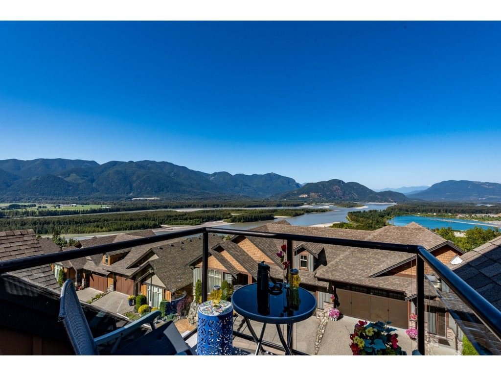 """Photo 30: Photos: 31 43540 ALAMEDA Drive in Chilliwack: Chilliwack Mountain Townhouse for sale in """"RETRIEVER RIDGE"""" : MLS®# R2488966"""