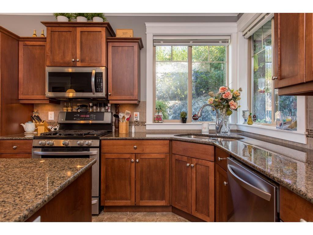 """Photo 12: Photos: 31 43540 ALAMEDA Drive in Chilliwack: Chilliwack Mountain Townhouse for sale in """"RETRIEVER RIDGE"""" : MLS®# R2488966"""