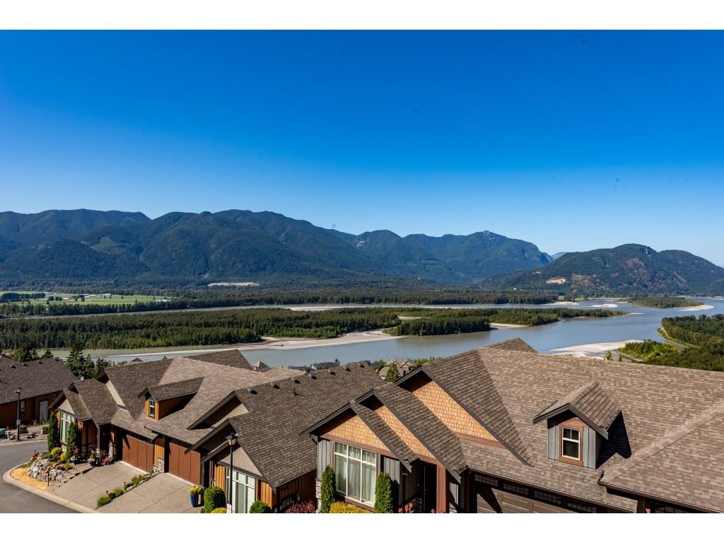 """Photo 32: Photos: 31 43540 ALAMEDA Drive in Chilliwack: Chilliwack Mountain Townhouse for sale in """"RETRIEVER RIDGE"""" : MLS®# R2488966"""
