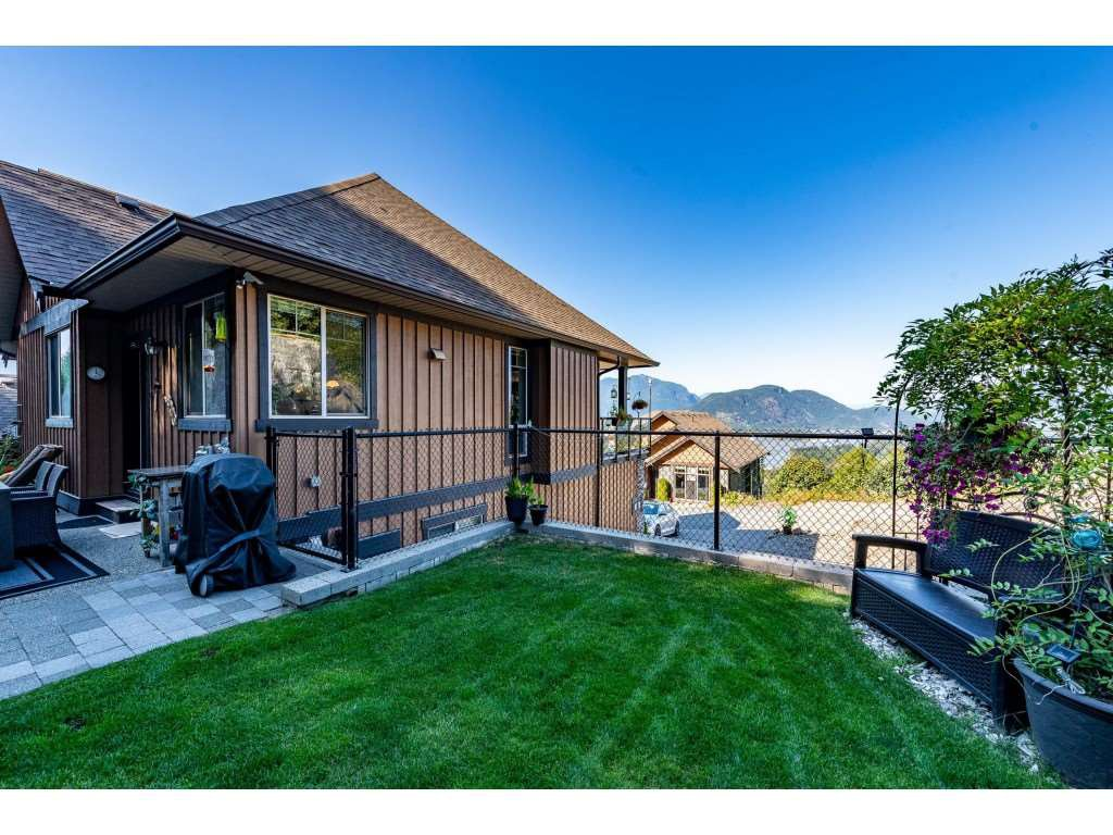 """Photo 39: Photos: 31 43540 ALAMEDA Drive in Chilliwack: Chilliwack Mountain Townhouse for sale in """"RETRIEVER RIDGE"""" : MLS®# R2488966"""