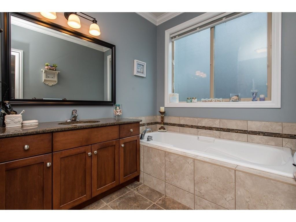"""Photo 18: Photos: 31 43540 ALAMEDA Drive in Chilliwack: Chilliwack Mountain Townhouse for sale in """"RETRIEVER RIDGE"""" : MLS®# R2488966"""