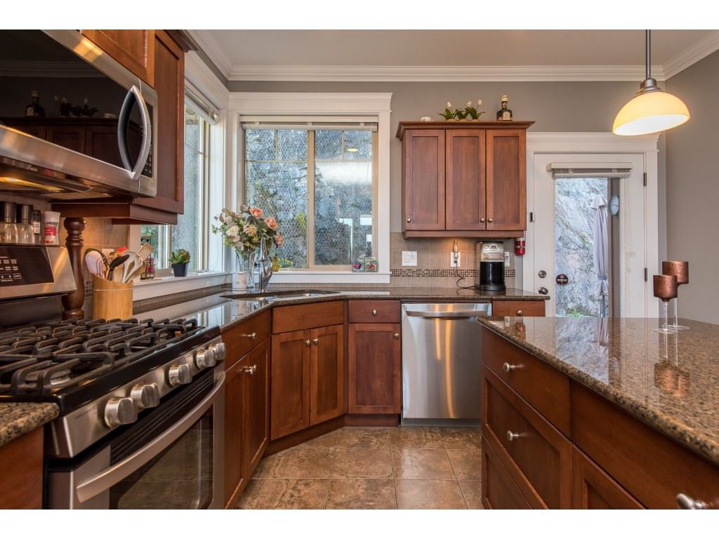 """Photo 13: Photos: 31 43540 ALAMEDA Drive in Chilliwack: Chilliwack Mountain Townhouse for sale in """"RETRIEVER RIDGE"""" : MLS®# R2488966"""