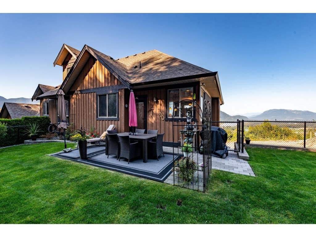 """Photo 37: Photos: 31 43540 ALAMEDA Drive in Chilliwack: Chilliwack Mountain Townhouse for sale in """"RETRIEVER RIDGE"""" : MLS®# R2488966"""