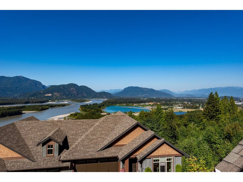 """Photo 31: Photos: 31 43540 ALAMEDA Drive in Chilliwack: Chilliwack Mountain Townhouse for sale in """"RETRIEVER RIDGE"""" : MLS®# R2488966"""