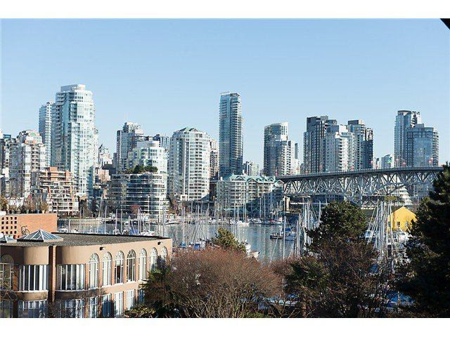 """Main Photo: 307 1450 PENNYFARTHING Drive in Vancouver: False Creek Condo for sale in """"HARBOUR COVE"""" (Vancouver West)  : MLS®# V1038505"""