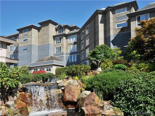 Main Photo: 503 940 Boulderwood Rise in VICTORIA: SE Broadmead Condo for sale (Saanich East)  : MLS®# 689065