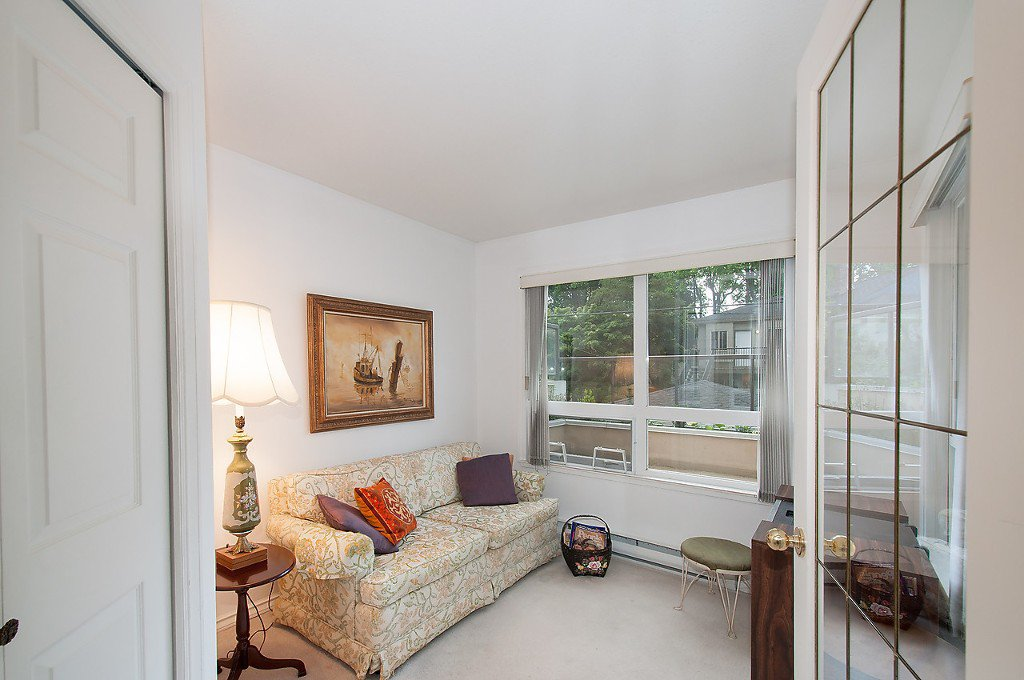 """Photo 15: Photos: 208 3638 W BROADWAY in Vancouver: Kitsilano Condo for sale in """"CORAL COURT"""" (Vancouver West)  : MLS®# V1127113"""