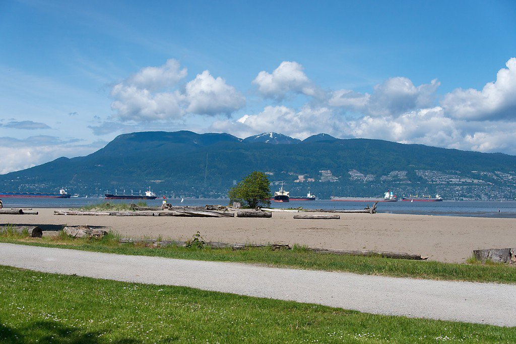 """Photo 17: Photos: 208 3638 W BROADWAY in Vancouver: Kitsilano Condo for sale in """"CORAL COURT"""" (Vancouver West)  : MLS®# V1127113"""