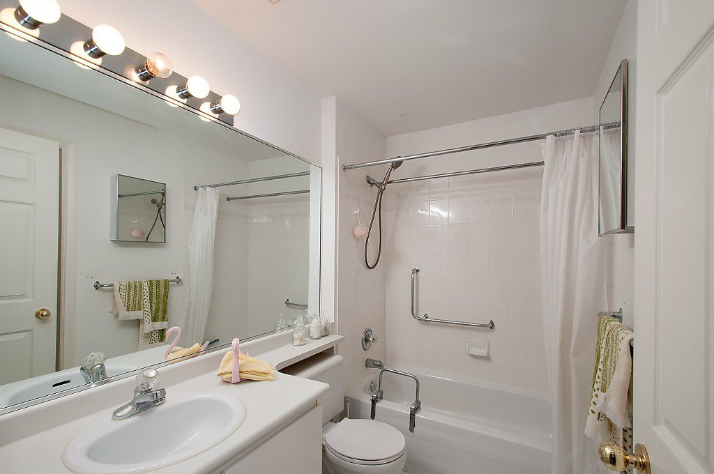 """Photo 14: Photos: 208 3638 W BROADWAY in Vancouver: Kitsilano Condo for sale in """"CORAL COURT"""" (Vancouver West)  : MLS®# V1127113"""