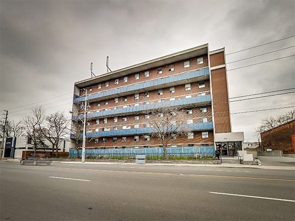 Main Photo: 107 1071 Woodbine Avenue in Toronto: Woodbine-Lumsden Condo for sale (Toronto E03)  : MLS®# E3379009