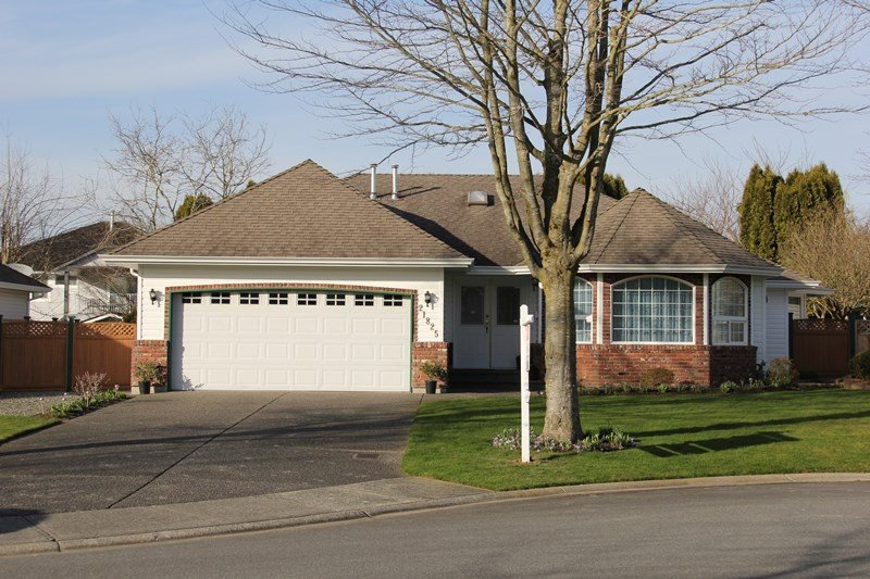 "Main Photo: 21825 45A Avenue in Langley: Murrayville House for sale in ""Murrayville"" : MLS®# R2038789"