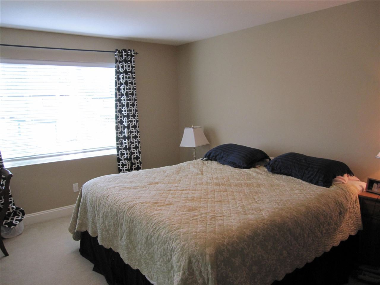 "Photo 10: Photos: 23756 111A Avenue in Maple Ridge: Cottonwood MR House for sale in ""FALCON HILL"" : MLS®# R2054700"