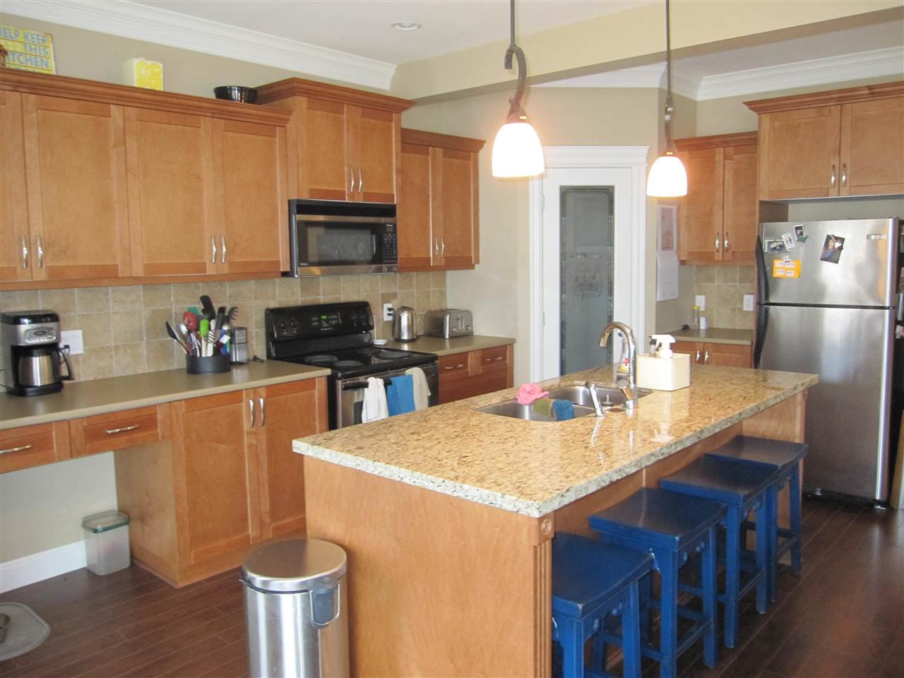 "Photo 3: Photos: 23756 111A Avenue in Maple Ridge: Cottonwood MR House for sale in ""FALCON HILL"" : MLS®# R2054700"