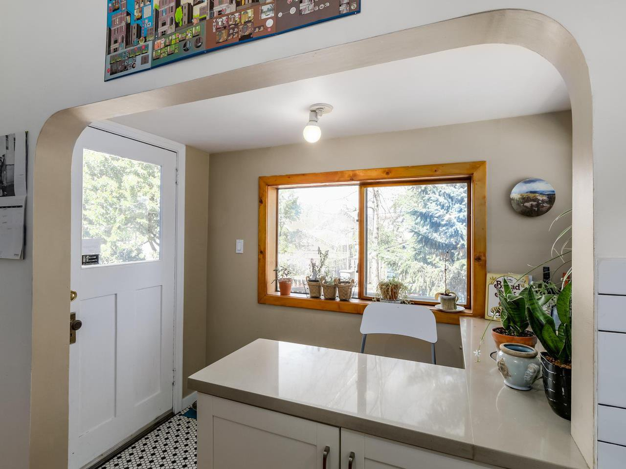 """Photo 9: Photos: 835 E 19TH Avenue in Vancouver: Fraser VE House for sale in """"CEDAR COTTAGE"""" (Vancouver East)  : MLS®# R2071745"""