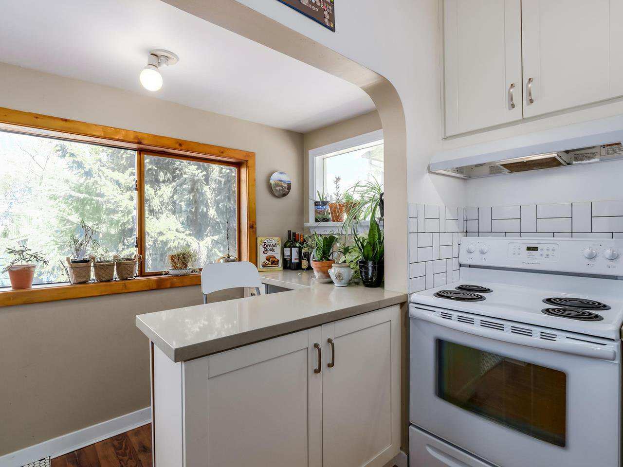 """Photo 8: Photos: 835 E 19TH Avenue in Vancouver: Fraser VE House for sale in """"CEDAR COTTAGE"""" (Vancouver East)  : MLS®# R2071745"""