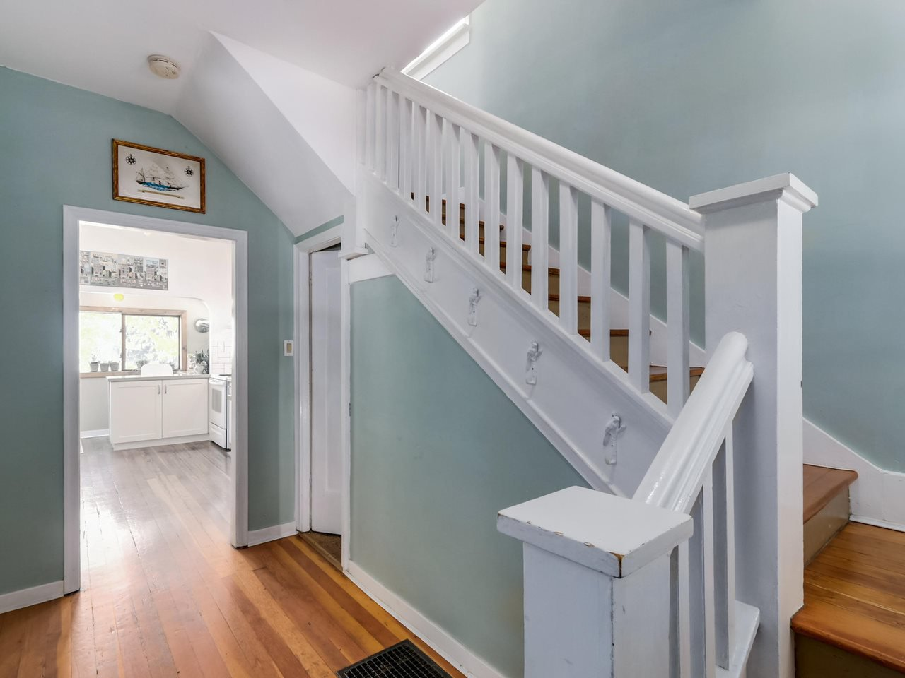 """Photo 13: Photos: 835 E 19TH Avenue in Vancouver: Fraser VE House for sale in """"CEDAR COTTAGE"""" (Vancouver East)  : MLS®# R2071745"""