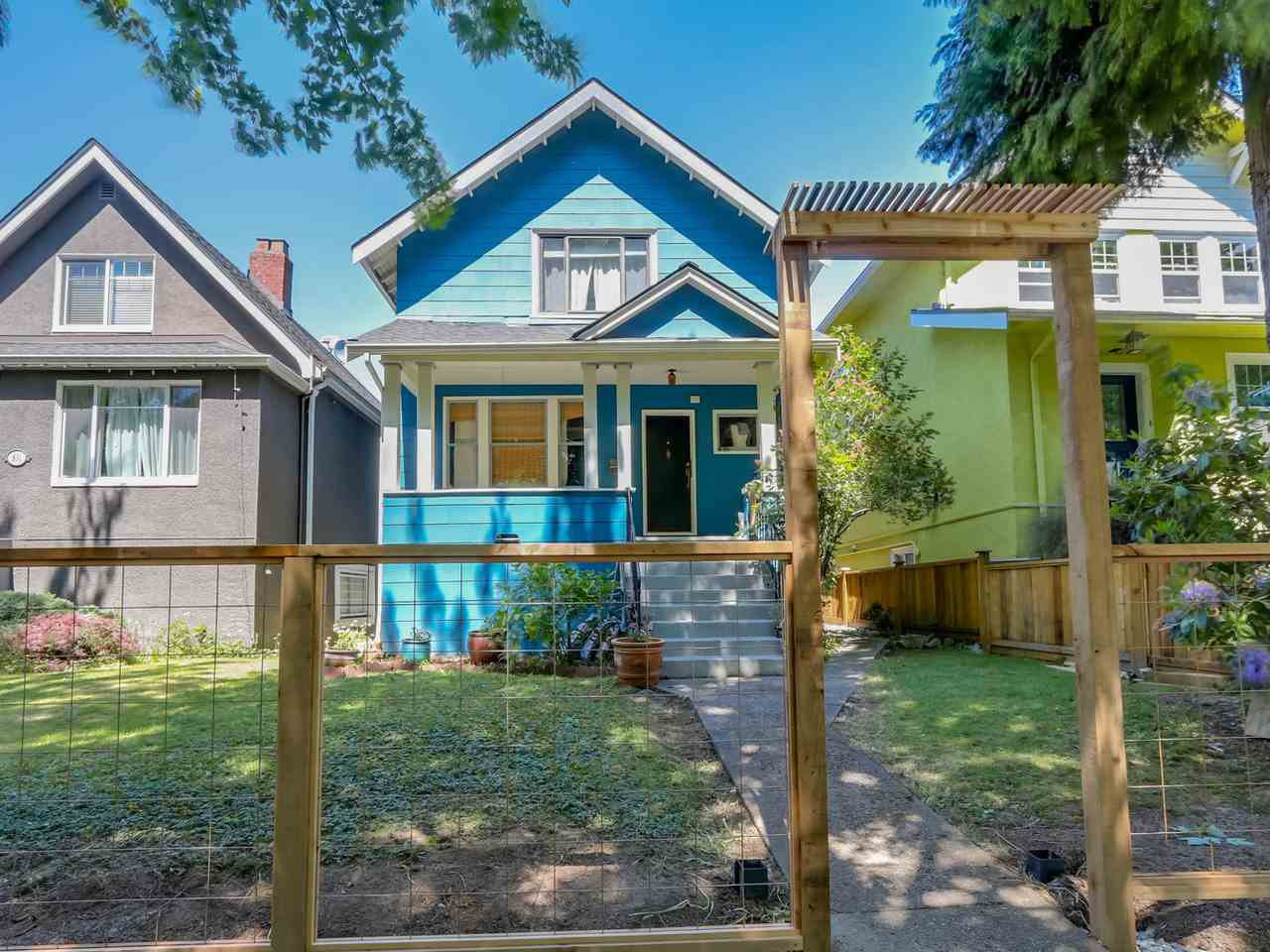 "Main Photo: 835 E 19TH Avenue in Vancouver: Fraser VE House for sale in ""CEDAR COTTAGE"" (Vancouver East)  : MLS®# R2071745"