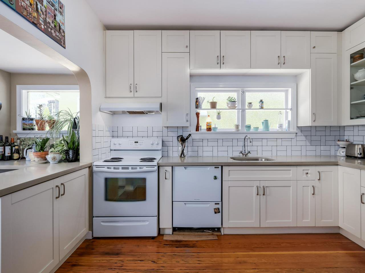 """Photo 7: Photos: 835 E 19TH Avenue in Vancouver: Fraser VE House for sale in """"CEDAR COTTAGE"""" (Vancouver East)  : MLS®# R2071745"""