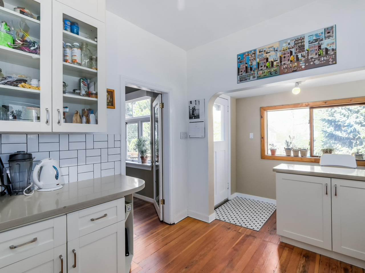 """Photo 10: Photos: 835 E 19TH Avenue in Vancouver: Fraser VE House for sale in """"CEDAR COTTAGE"""" (Vancouver East)  : MLS®# R2071745"""