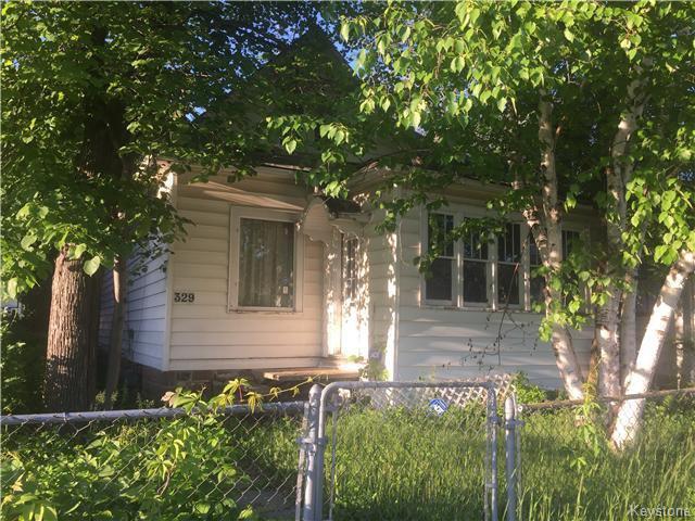Main Photo: 329 Polson Avenue in Winnipeg: North End Residential for sale (North West Winnipeg)  : MLS®# 1614942