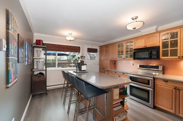 Photo 4: Photos: 855 W 14TH Avenue in Vancouver: Fairview VW Townhouse for sale (Vancouver West)  : MLS®# R2118199