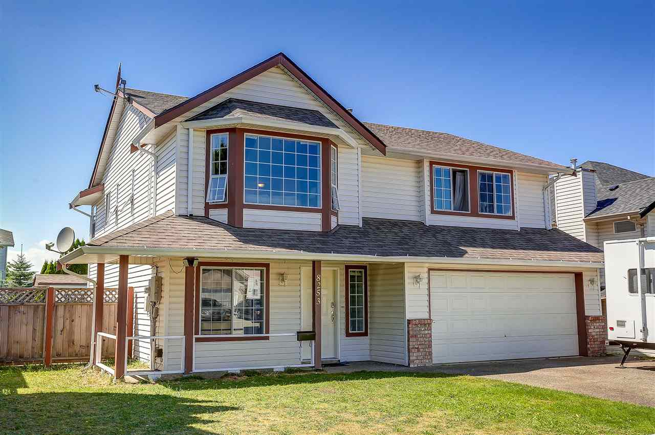 """Main Photo: 8253 FUJINO Street in Mission: Mission BC House for sale in """"CHERRY HILL"""" : MLS®# R2127412"""