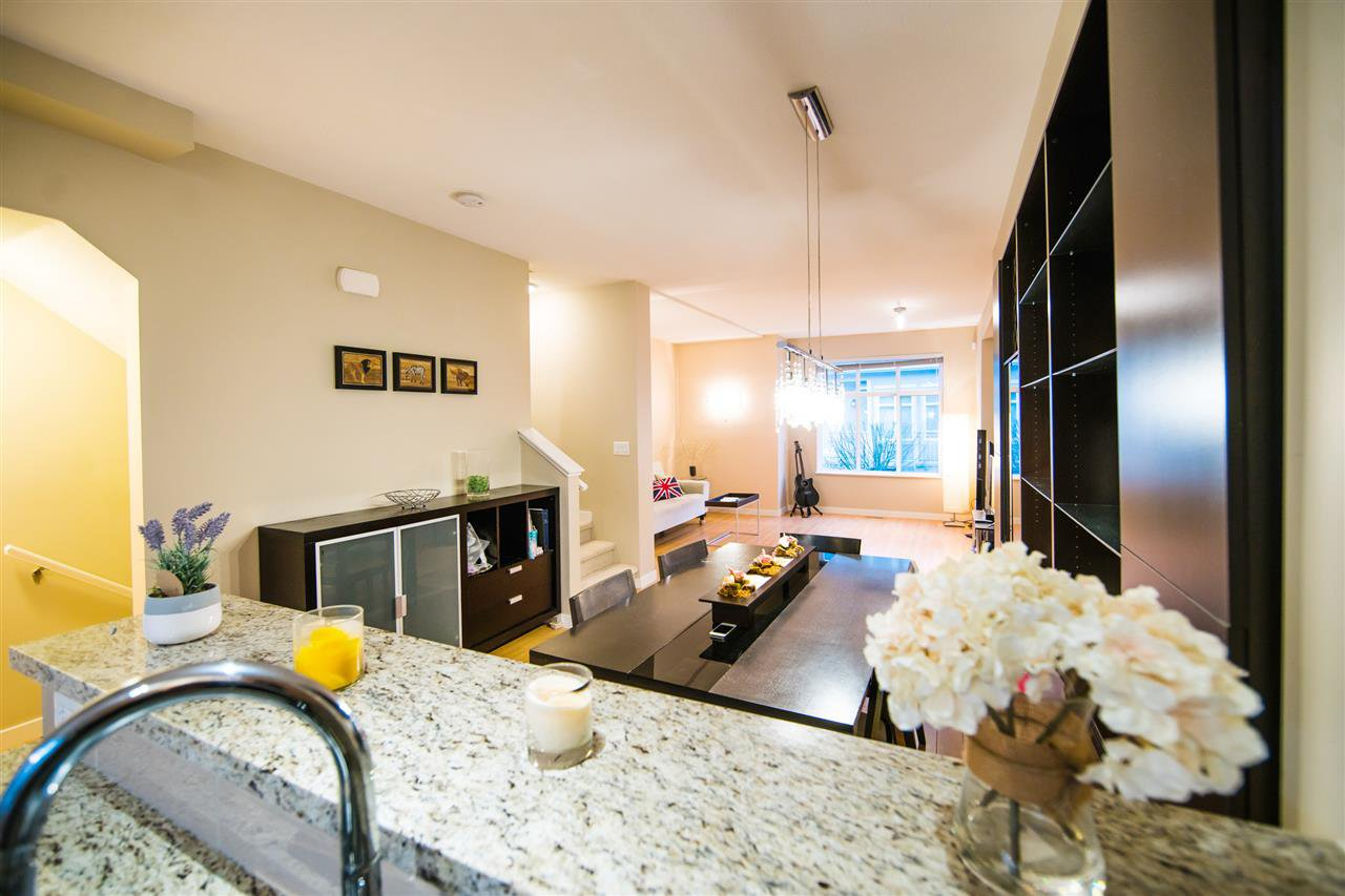 "Photo 7: Photos: 23 9800 ODLIN Road in Richmond: West Cambie Townhouse for sale in ""HENNESSY GREEN"" : MLS®# R2144702"
