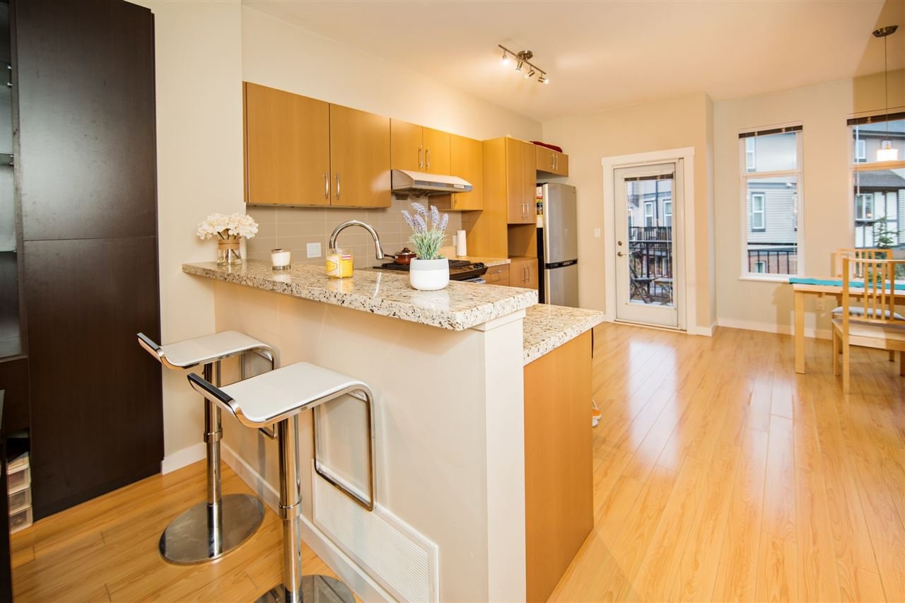 "Photo 4: Photos: 23 9800 ODLIN Road in Richmond: West Cambie Townhouse for sale in ""HENNESSY GREEN"" : MLS®# R2144702"