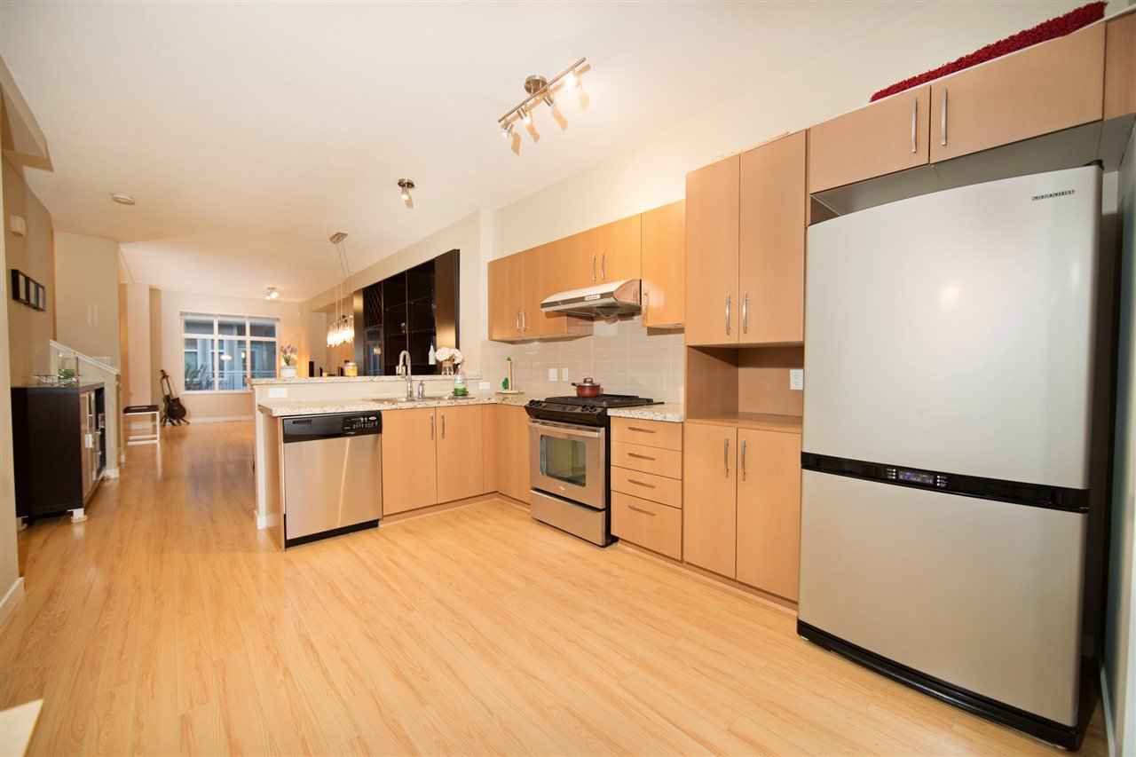 "Photo 6: Photos: 23 9800 ODLIN Road in Richmond: West Cambie Townhouse for sale in ""HENNESSY GREEN"" : MLS®# R2144702"