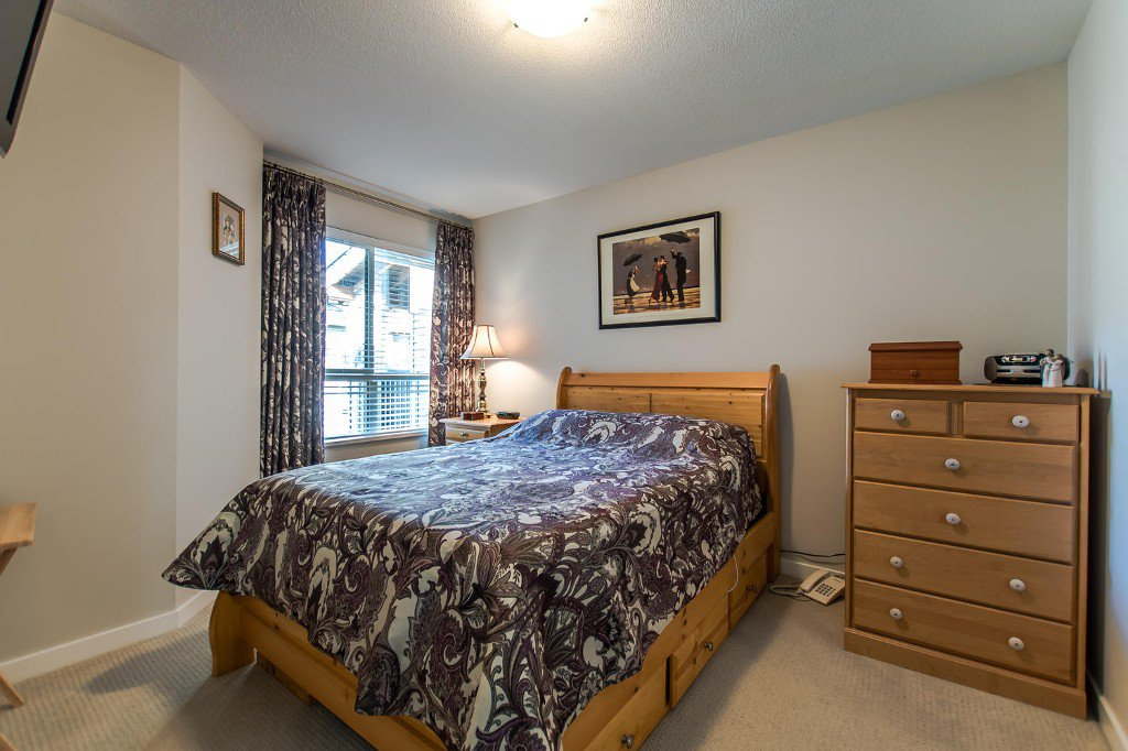 Photo 8: Photos: #417 21009 56 Avenue: Langley City Condo for sale (Langley)  : MLS®# R2210184