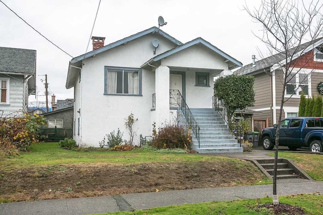 "Main Photo: 2327 TURNER Street in Vancouver: Hastings House for sale in ""HASTINGS-SUNRISE"" (Vancouver East)  : MLS®# R2225652"