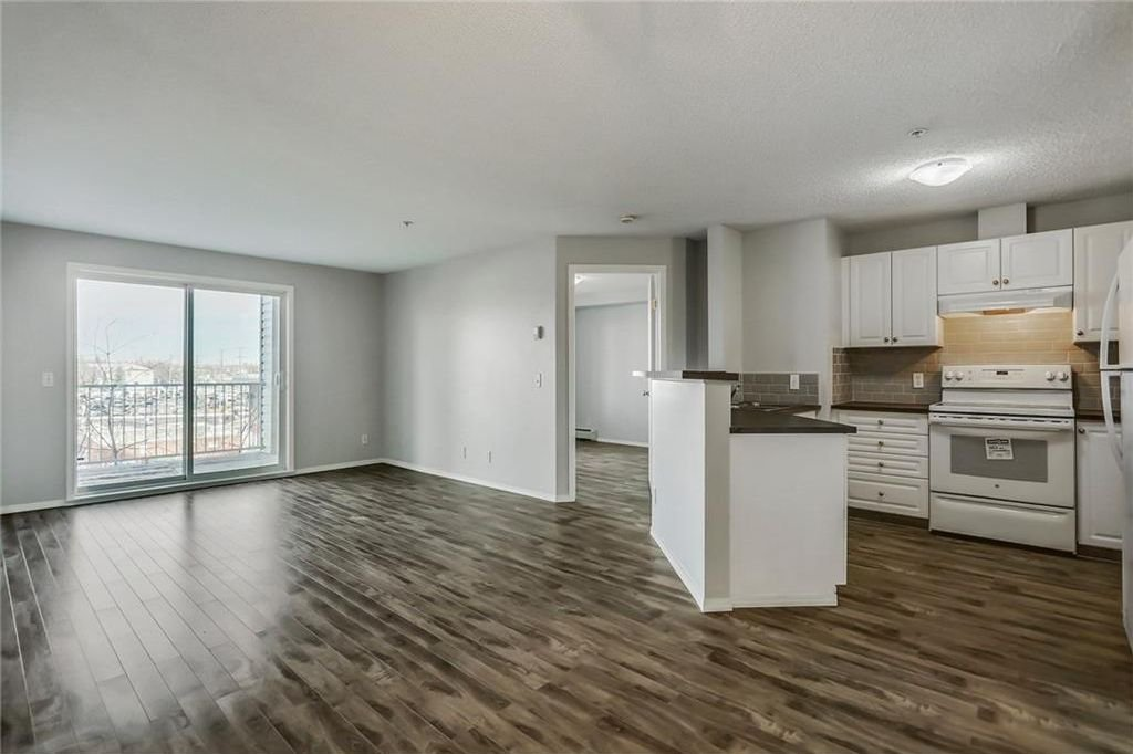 Main Photo: 311 1000 SOMERVALE Court SW in Calgary: Somerset Condo for sale : MLS®# C4162649