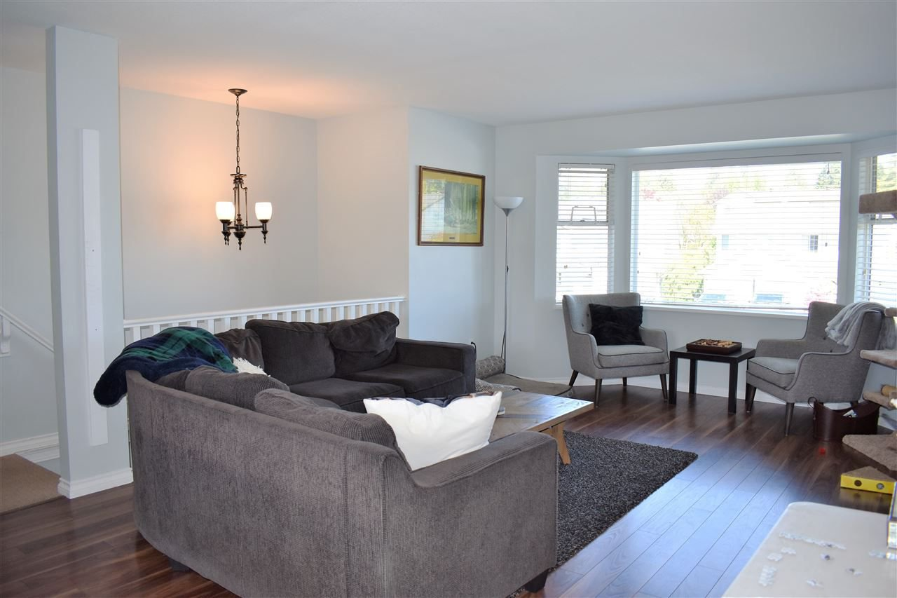 """Photo 2: Photos: 33524 KNIGHT Avenue in Mission: Mission BC House for sale in """"Hillside"""" : MLS®# R2265480"""