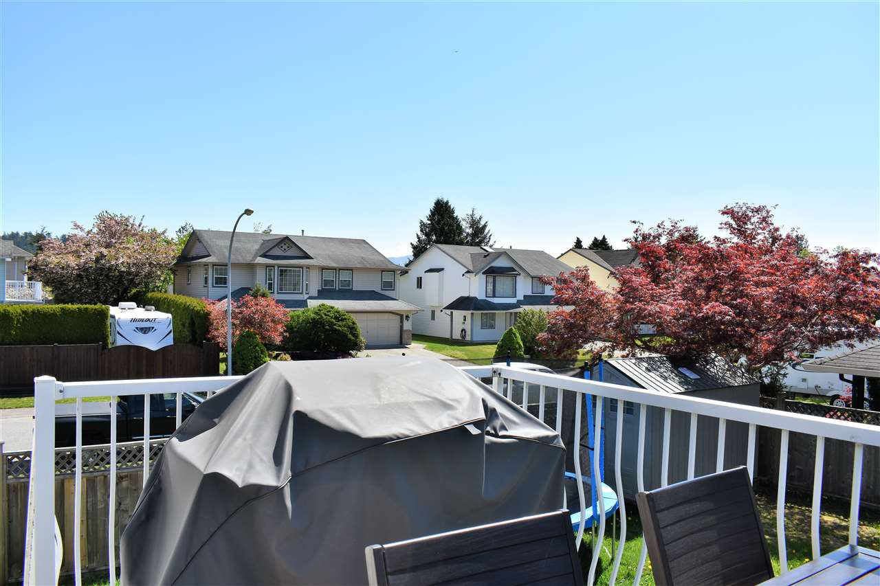 """Photo 17: Photos: 33524 KNIGHT Avenue in Mission: Mission BC House for sale in """"Hillside"""" : MLS®# R2265480"""